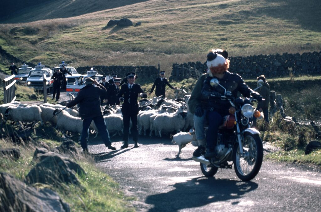 Restless Natives - The Scots are revolting....against the tourists in this film!