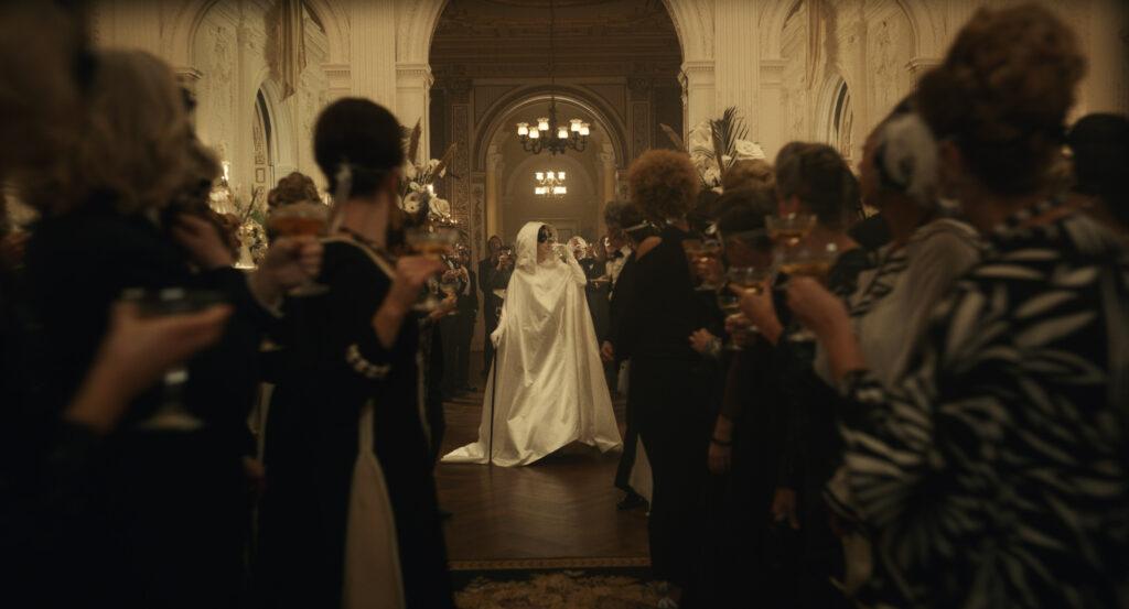 Cruella - Emma Stone goes toe to toe with Emma Thompson!